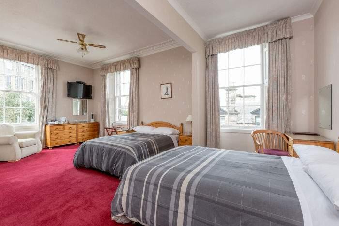 Dunvegan Hotel - bedroom