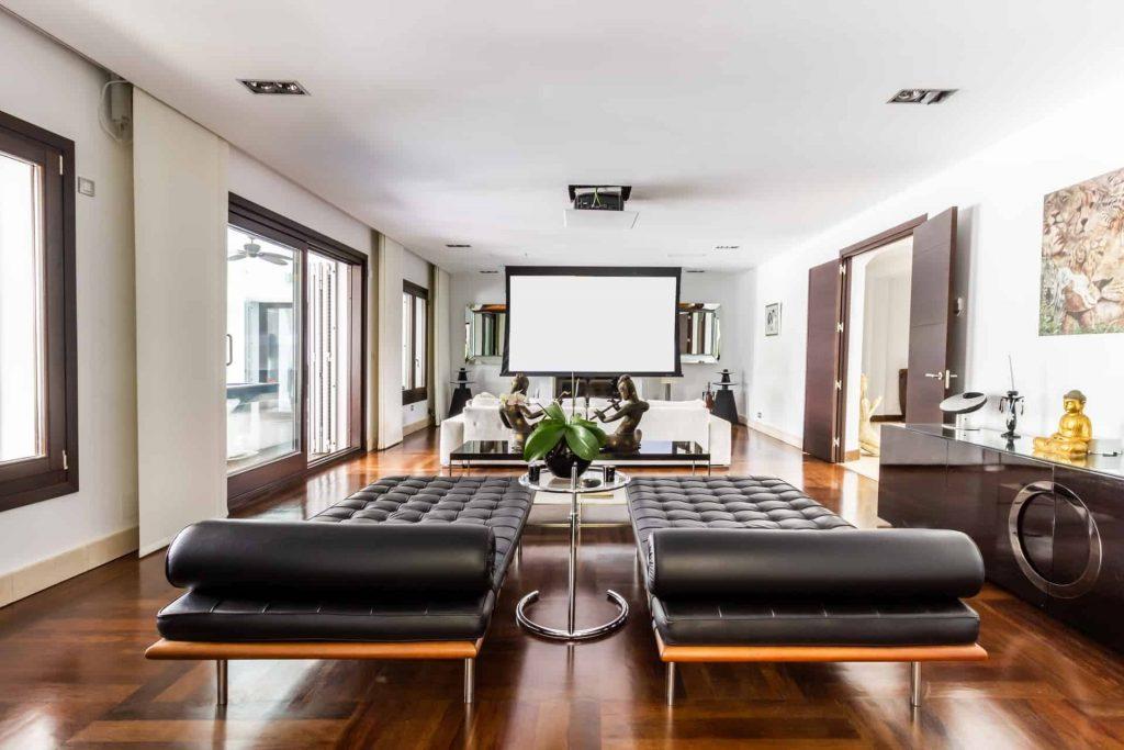 Los Halcones, San Roque Club. Designer furnishings. Salon.