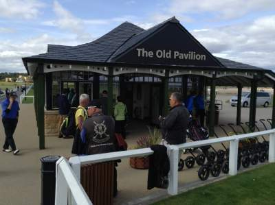 The Pavilion: St Andrews as a single golfer